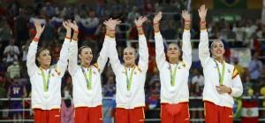 el-portentoso-equipo-de-gimnasia-ritmica-se-cuelga-la-medalla-de-plata